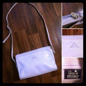 🦋2/$10 3/$15 4/$18 5/$20 Vintage Claiborne Bag